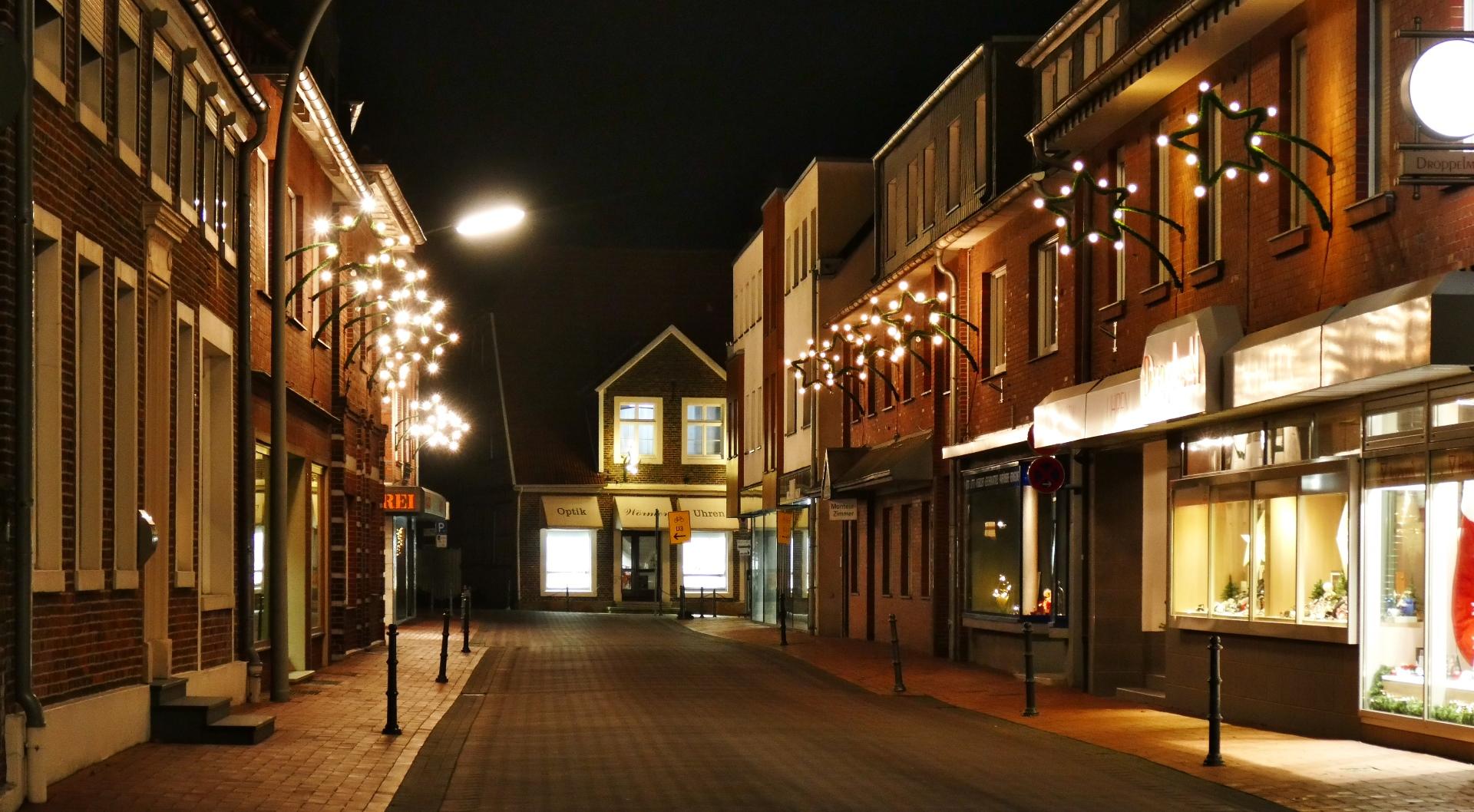 1 Weihnachtsbeleuchtung Hauptstraße