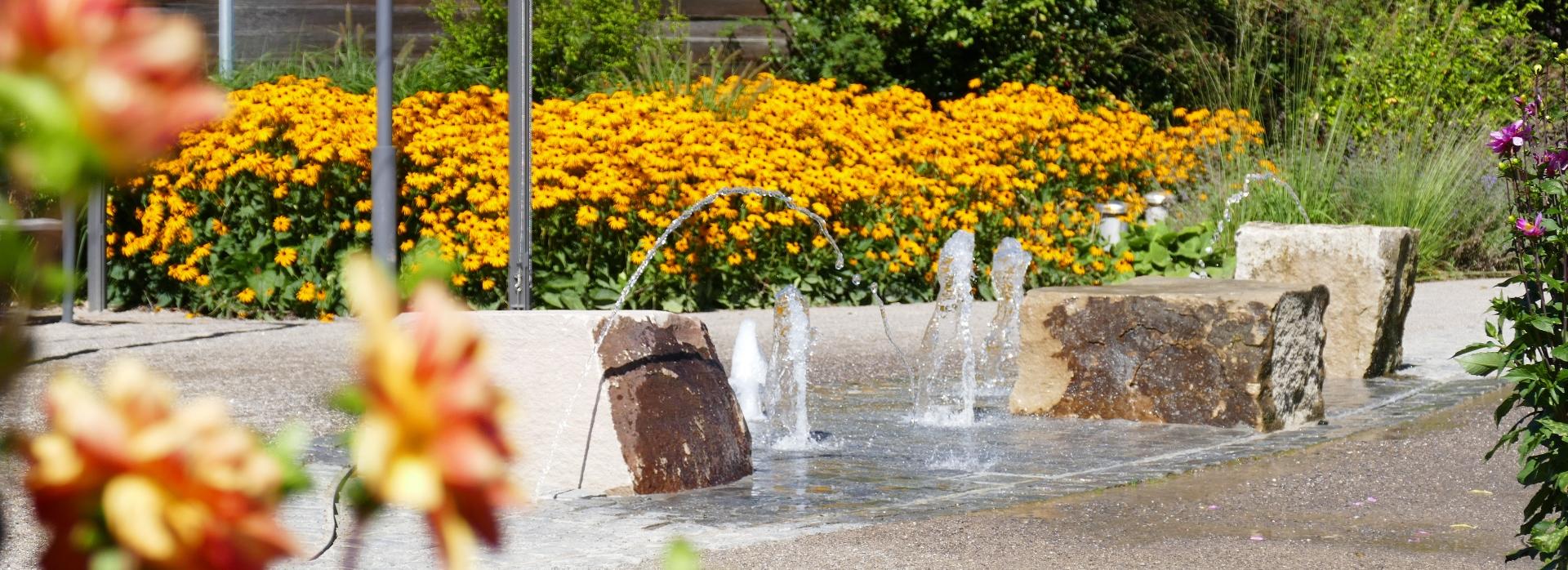 Springbrunnen im Dahliengarten