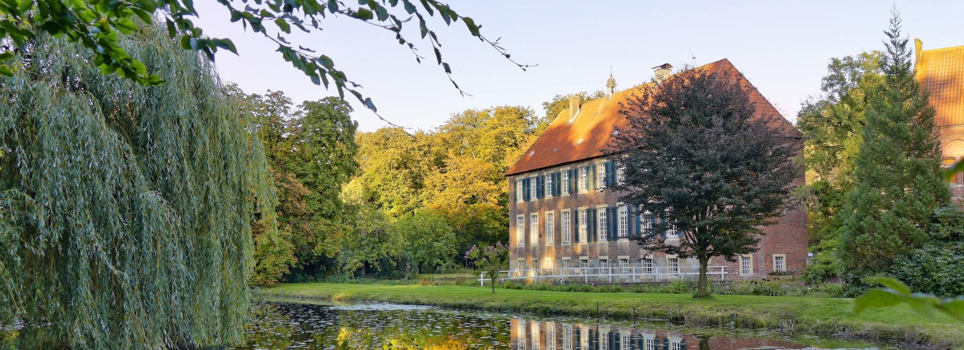 Westseite Schloss